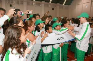 GOBERNADOR-MANUEL-VELASCO-COELLO-ABANDERAMIENTO-OLIMPIADA-2013
