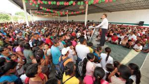 Gobernador-Manuel-Velasco-Coello-de-visita-en-Huitiupan-2